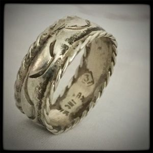 Estate Signed TAXCO .925 Hand Engraved Ring